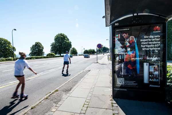 Adshels i busskure i byerne