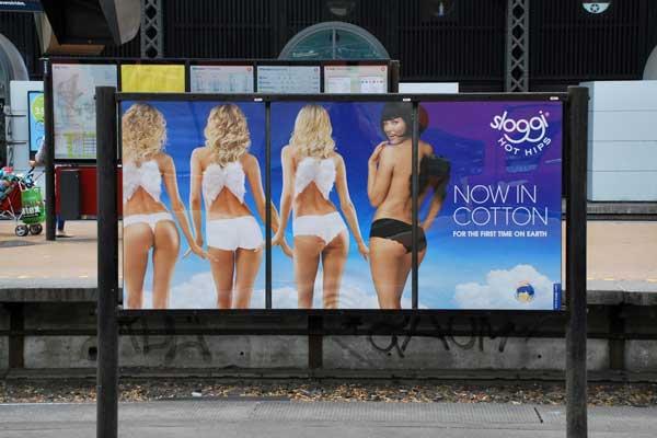 Reklamer på banegårde